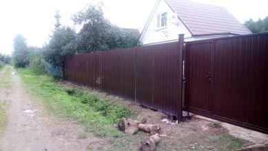 Откатные ворота и забор на даче без автоматики