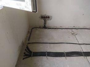 Вывод кабелей на второй этаж